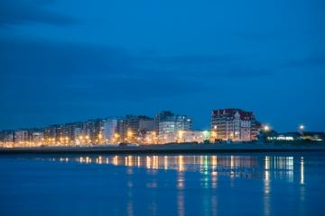 België Westende - het blauwe uur strand