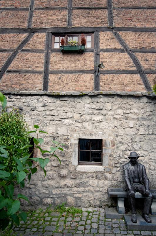 Historisch centrum Durbuy België standbeeld