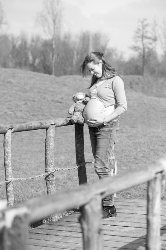 zwangerschap-knuffel